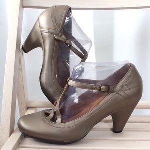 Indigo by Clarks Copper Comfort Heels Buckle 9.5